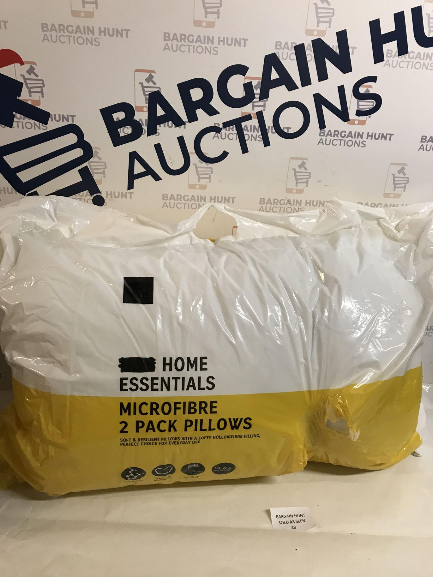 Lot 28 - Microfibre 2 Pack Pillows