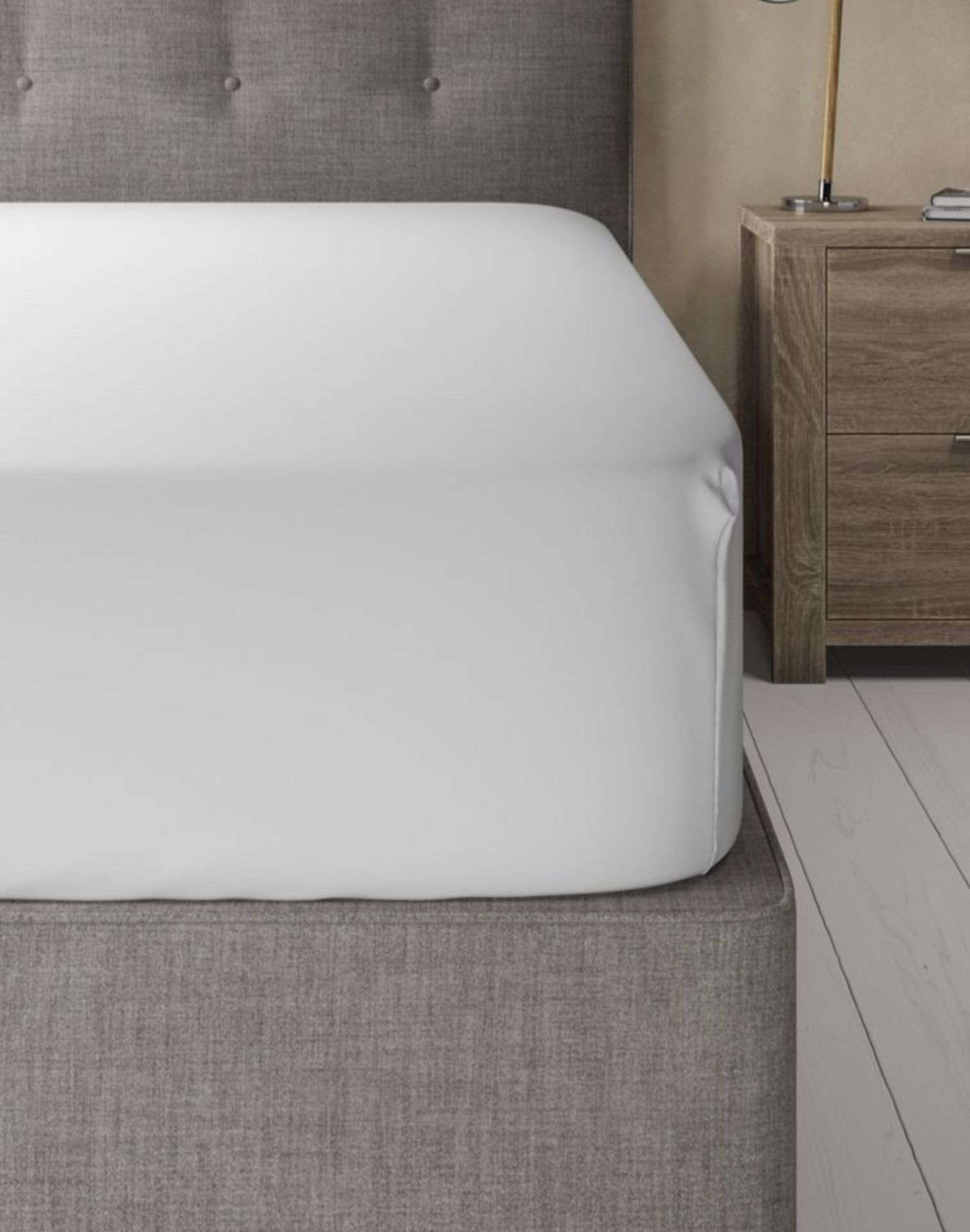 Lot 48 - Egyptian Cotton 400 Thread Count Sateen Extra Deep Fitted Sheet, King Size