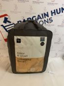 Cosy & Light Synthetic 10.5 Tog Duvet, King Size RRP £55