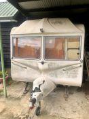 Classic Royale T125 Caravan