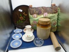 Mixed lot of china and collectables to incl Wedgwood Jasperware