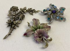 3 floral design vintage costume jewellery brooches.