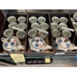 (3) Ensembles de service à thés - porcelaine -et (10) tasses