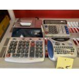 Lot de Brother Ptouch # 1180 et (2) calculatrice