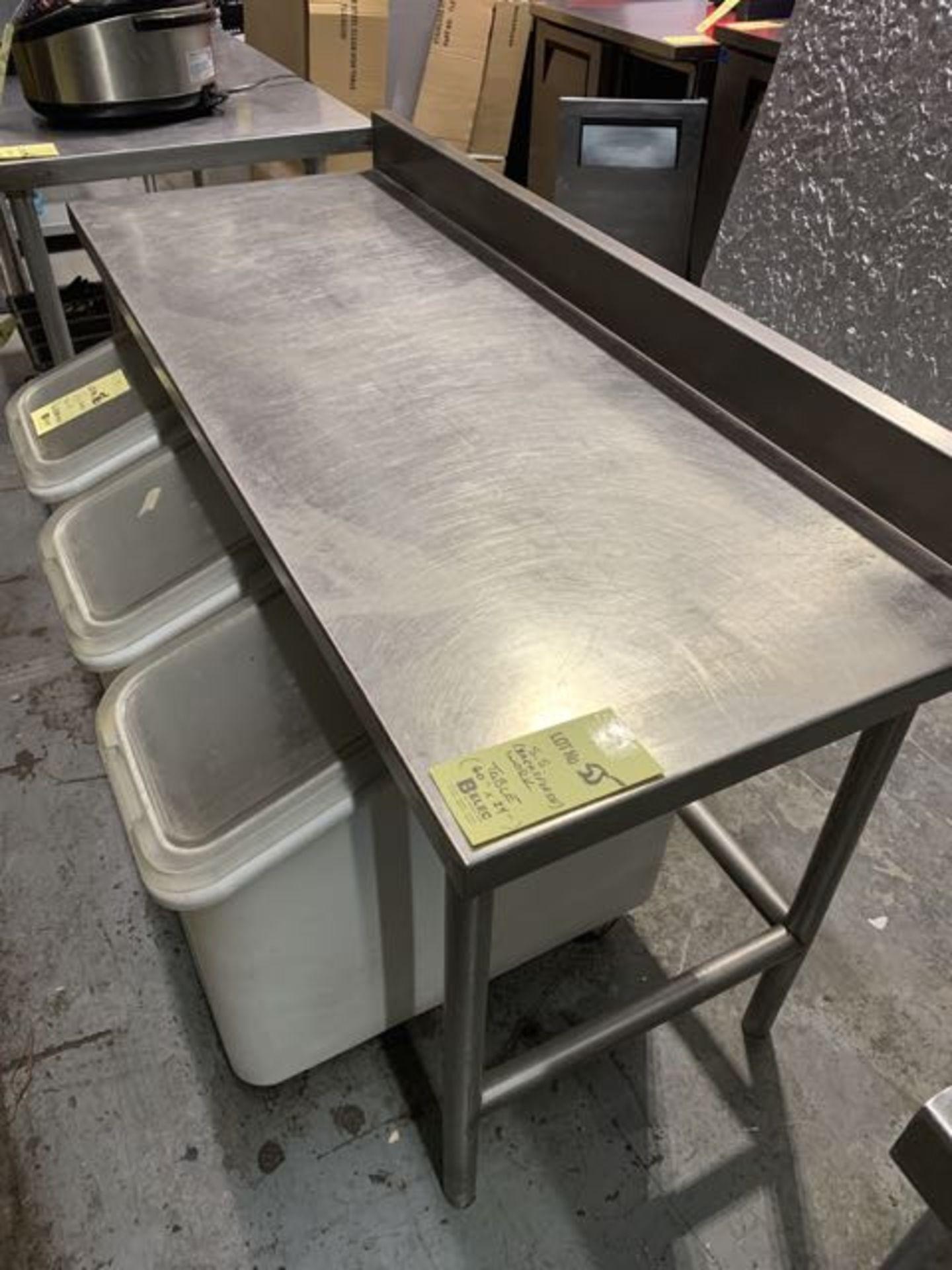 """Table de travail 60 x 24"""" a/dosseret - trous de vis sur table"""