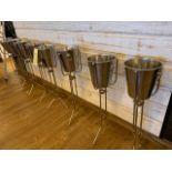 (8) Seaux à champagne et support piedestal
