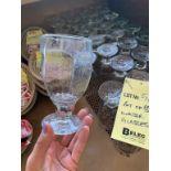 Lot de (89) verres d'eau