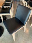 (11) Belles chaises bistro VOGUE décor - Look bois / fini metal - Quantité x $ misé