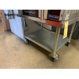 """table base d'equipement acir inox sur roues 30 x 36 """""""