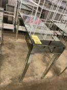 """Belle Table toute miroir 47 x 18 """" avec petits DÉFAUTS - Venez voir à l'inspection"""