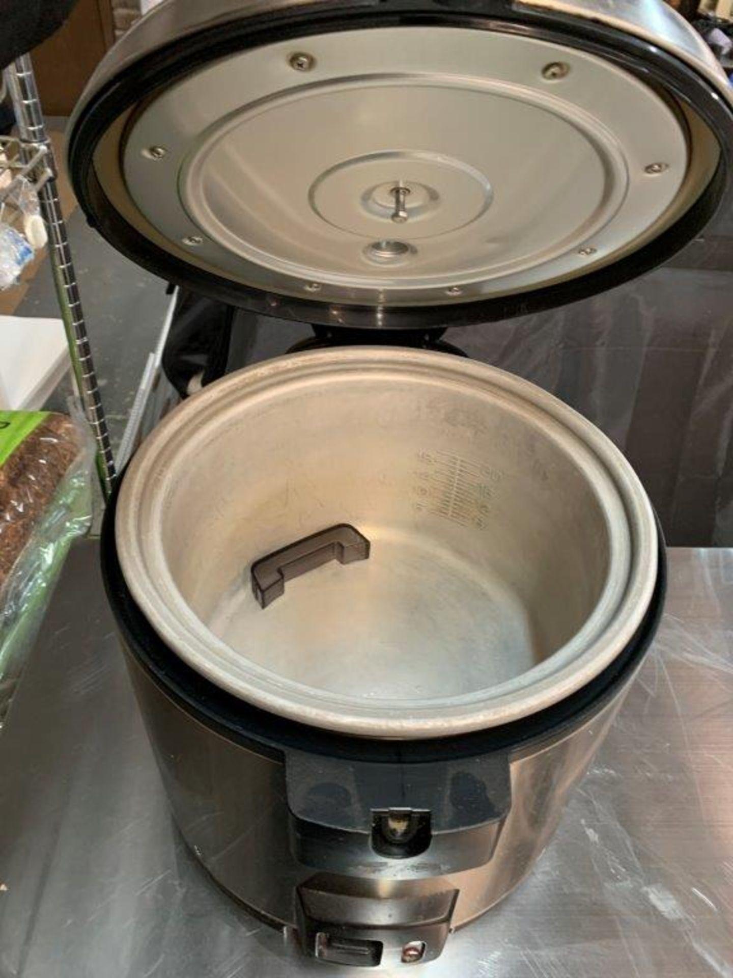 Cuiseur à riz - POUR PIECES SEULEMENT - Image 2 of 2