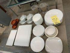 Lot de (70) assiettes variées