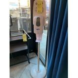Station piedestal WISH sans contact- désinfectant main - (F)