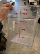 Lot de 7 bacs à mesurer 18 Litres a / couvercles (F)