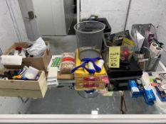 Lot d,accessoires de bureau + hose ©