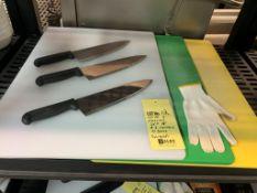 Lot de 3 planches à découper - 3 couteaux BERTOLDI et gant