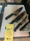 Lot de 2 planches à découper et 4 couteaux et 1 gant