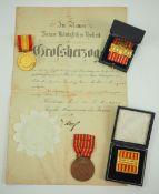 Baden: Sammlung Feuerwehr Auszeichnungen.Diverse, teils mit Etui, dazu eine Urkunde.Zustand: II