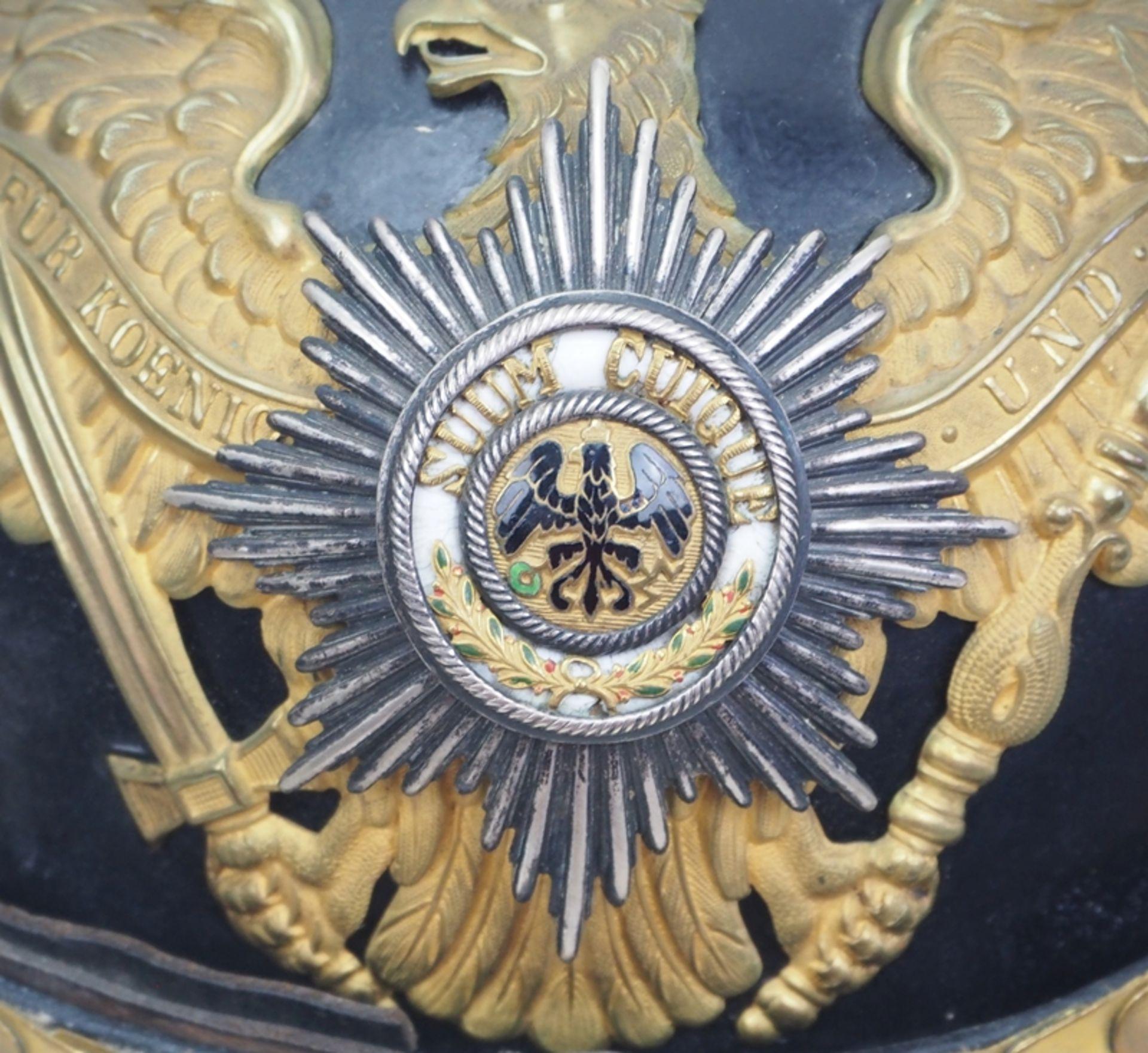 Preussen: Helm für Offiziere der Garde-Grenadier-Regimenter, in Dienstausführun - Bild 2 aus 5