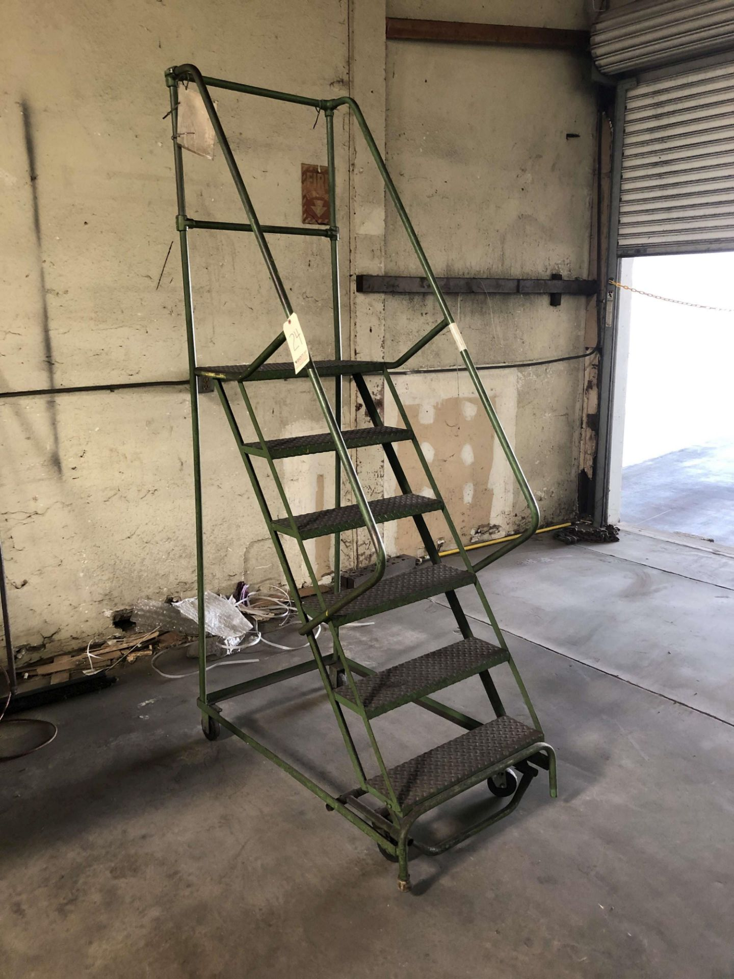 Lot 24 - 6-Step O'Connor Rolling Ladder