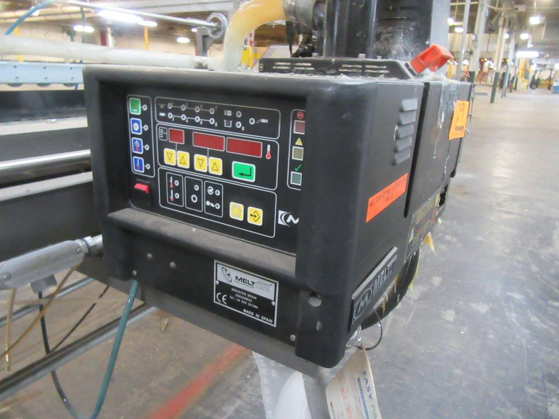 Lot 29 - Melton 8KG Hot Melt Unit