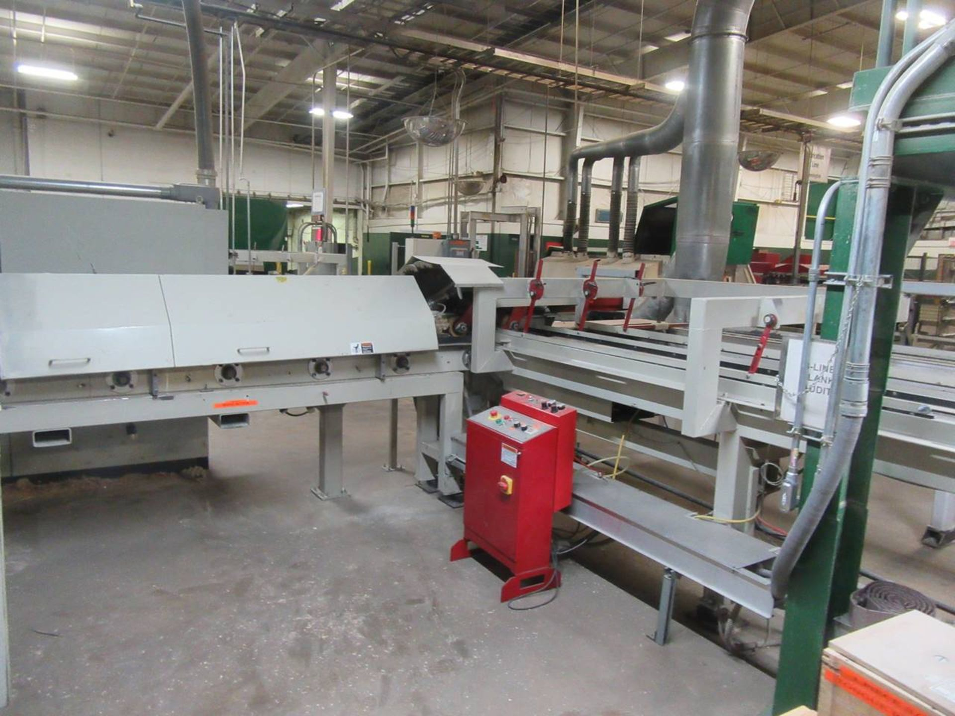 Lot 9 - Weining Group Moulder