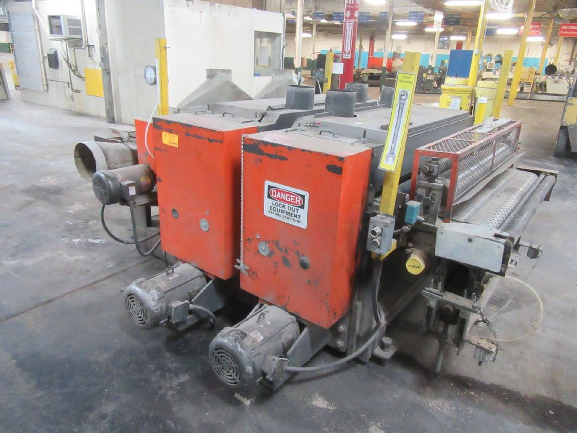 Lot 39 - Dubois SBD-52-W VAC Denibber