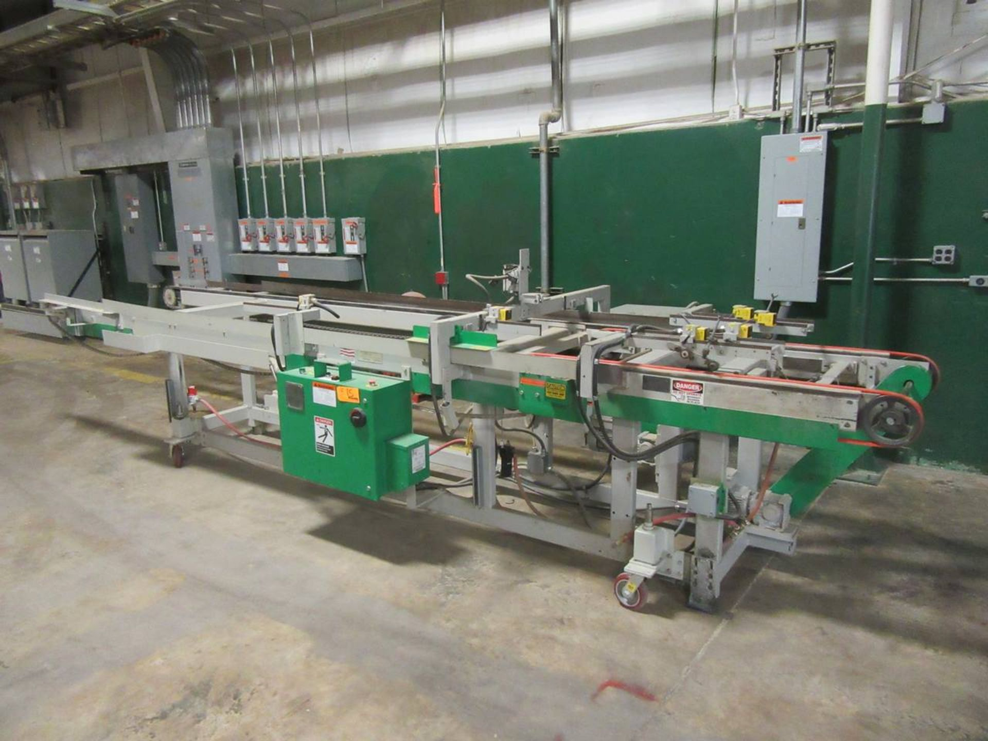 Lot 15 - Fletcher FM-ITO Conveyor