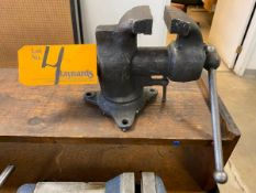 3'' Bench Vise With Swivel Base