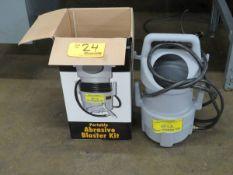 Central Pneumatic 37025 Portable Abrasive Blaster Kit