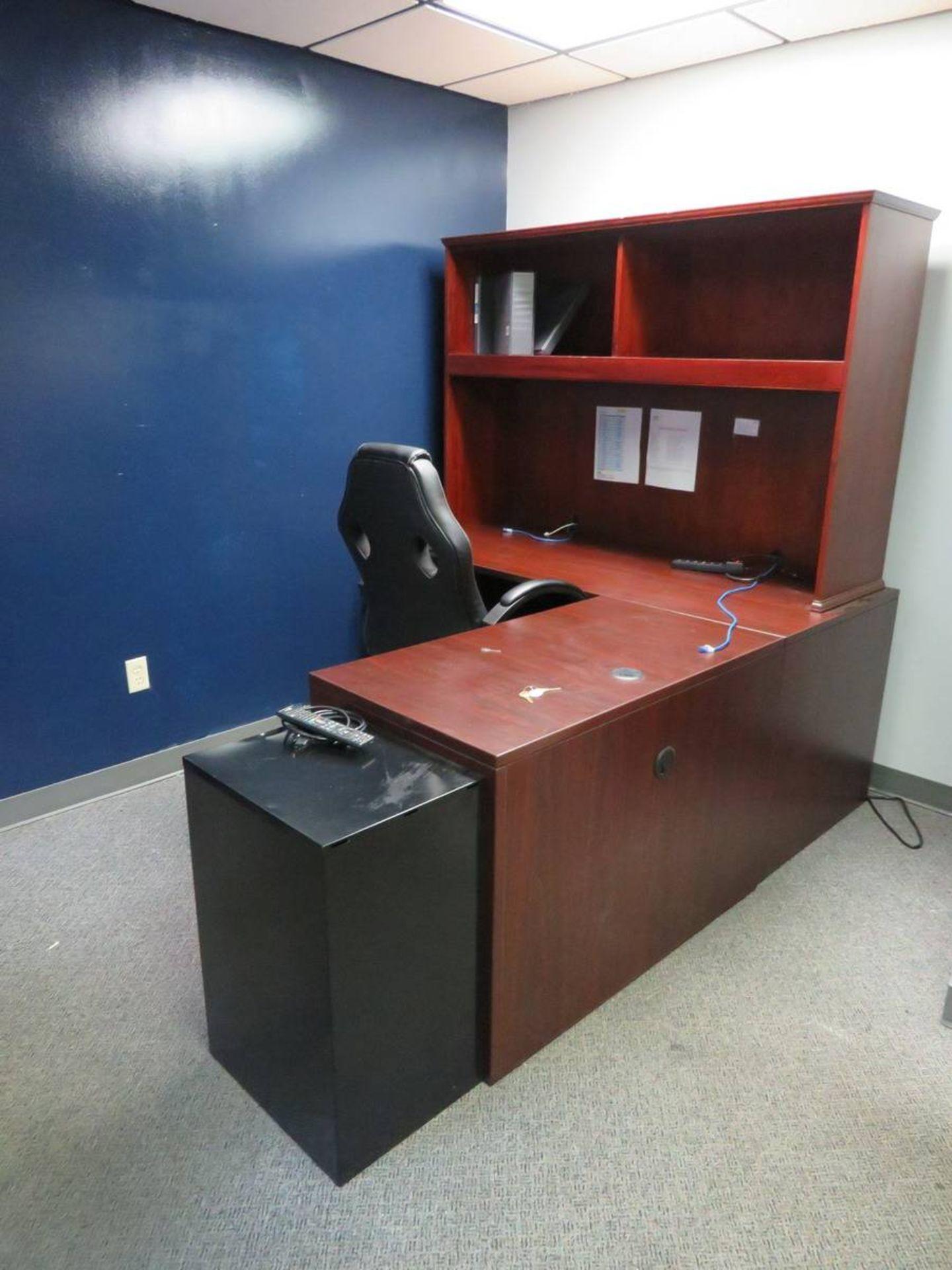 Lot 651 - Assorted Desks