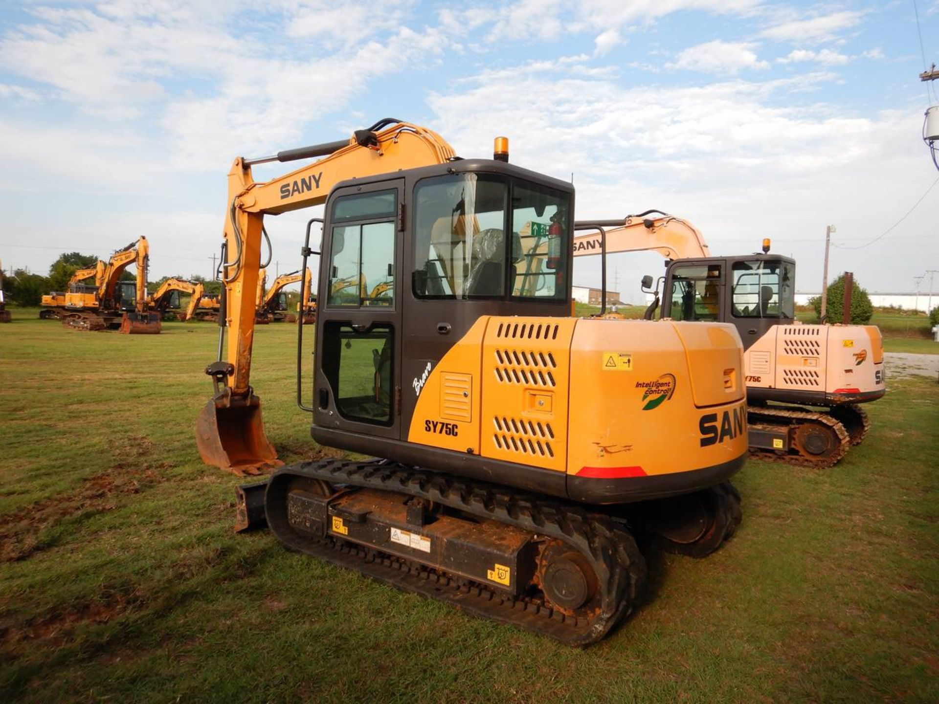 Lot 25 - 2016 SANY SY75R Mini Excavator