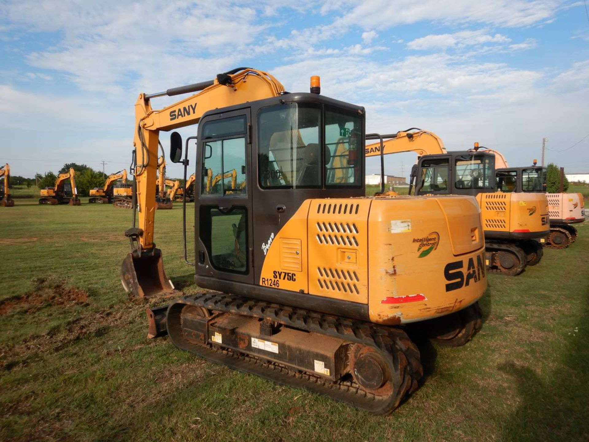 Lot 26 - 2016 SANY SY75R Mini Excavator