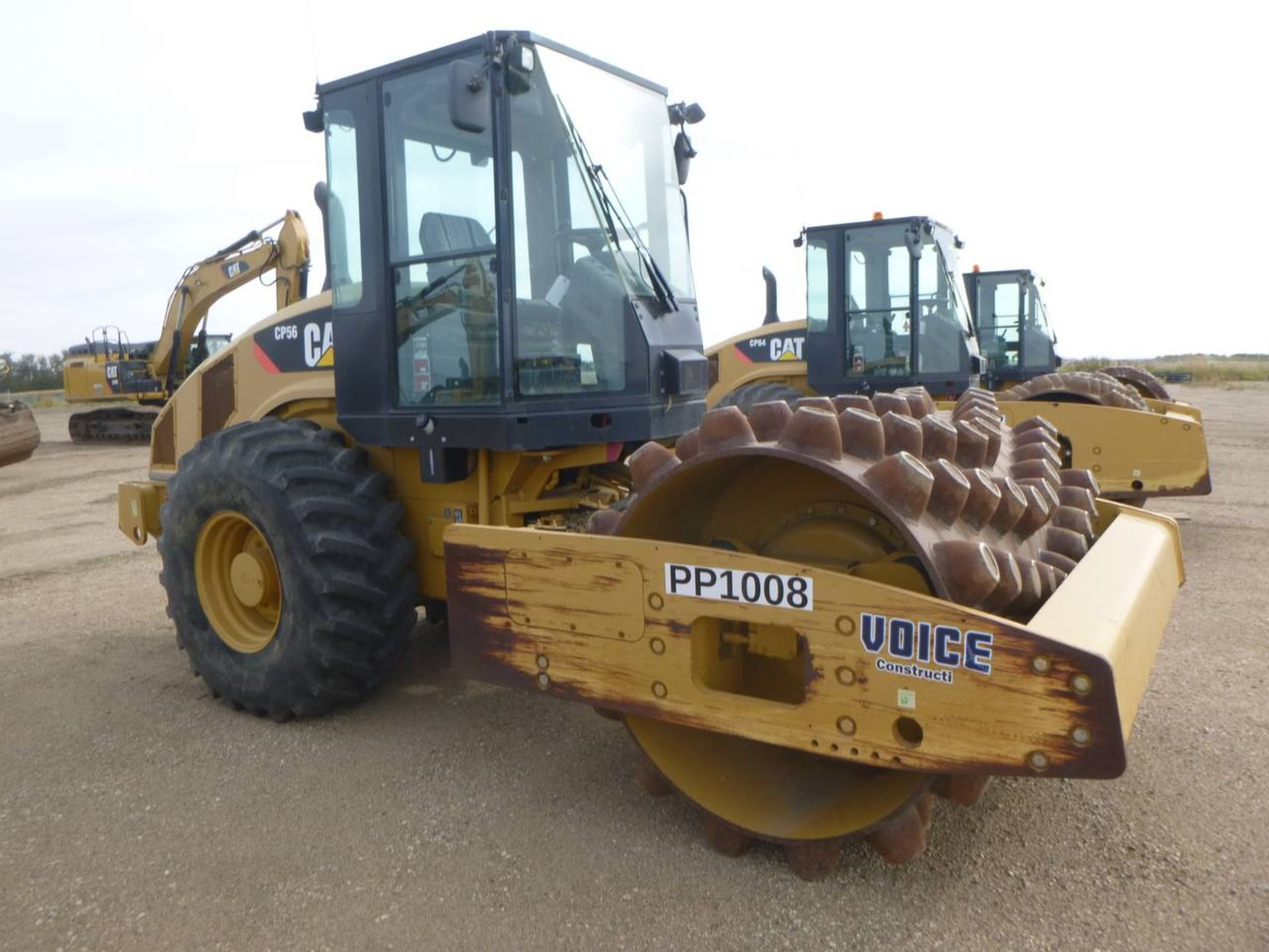 2009 Caterpillar CP56 Compactor - Image 2 of 9