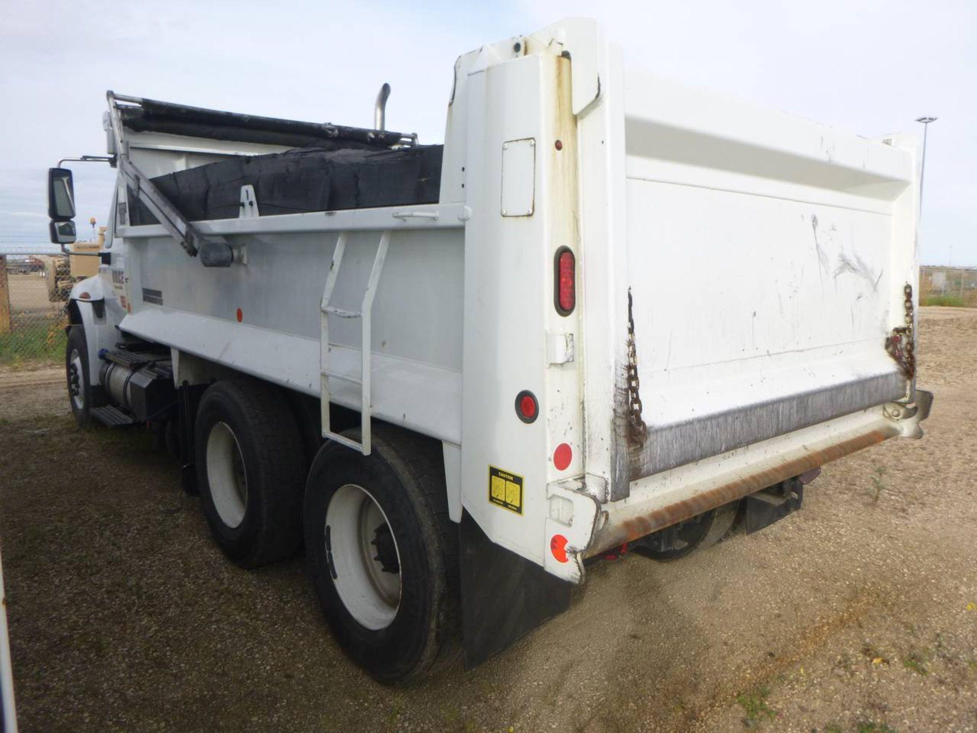 2018 International 4400 SBA 6X4 Dump Truck - Image 4 of 15