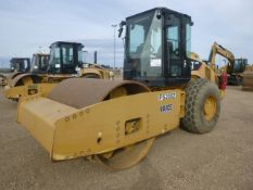2011 Caterpillar CS76 Compactor