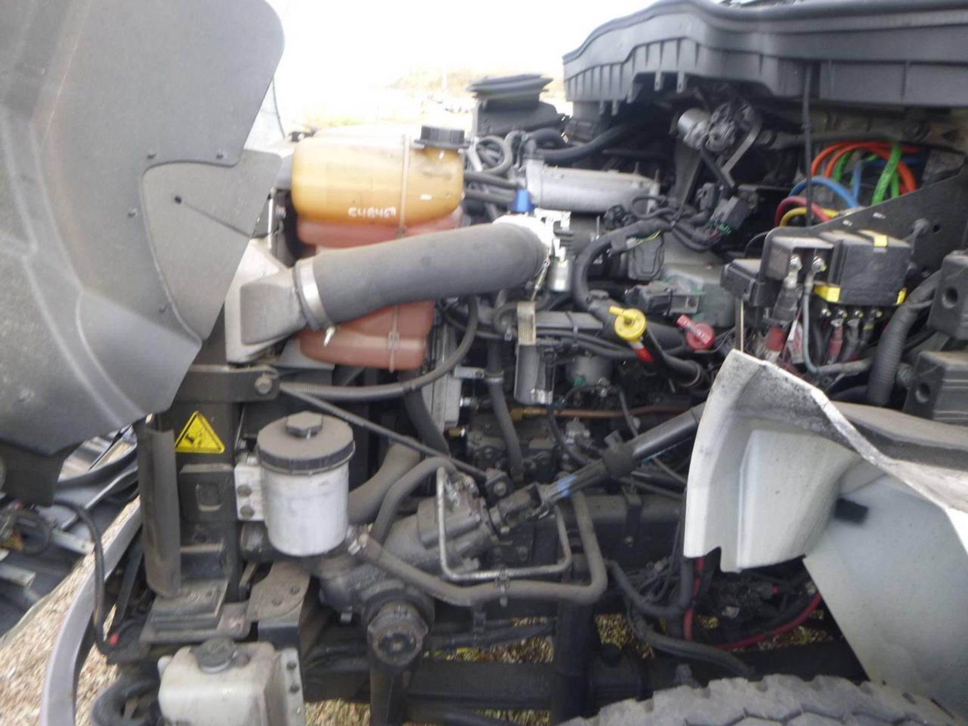 2018 International 4400 SBA 6X4 Dump Truck - Image 10 of 15