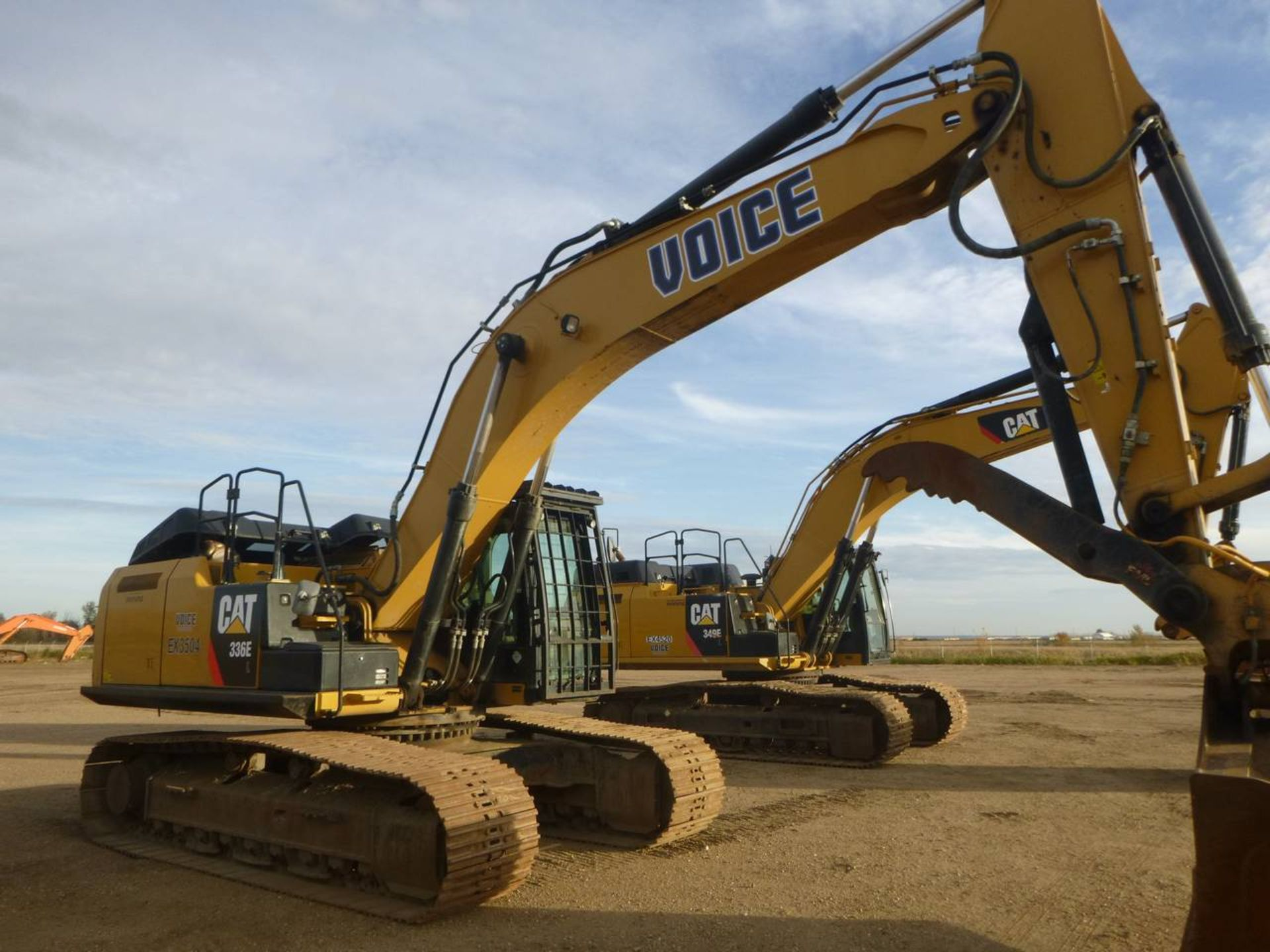 2012 Caterpillar 336E L Excavator - Image 2 of 11