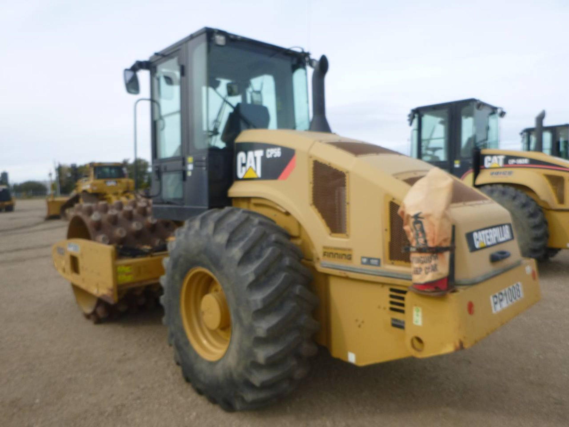 2009 Caterpillar CP56 Compactor - Image 4 of 9