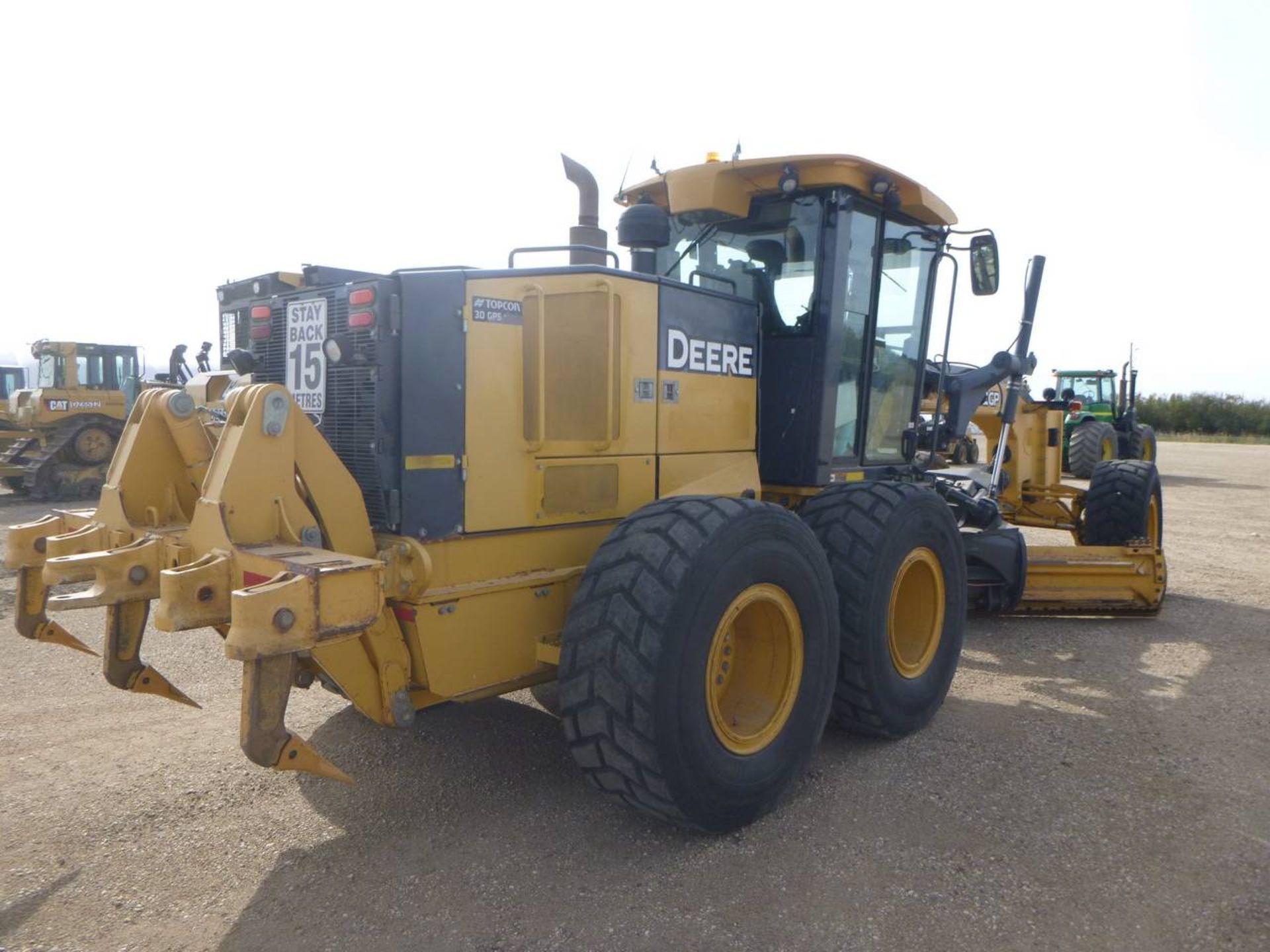 2010 John Deere 872GP Grader - Image 3 of 11