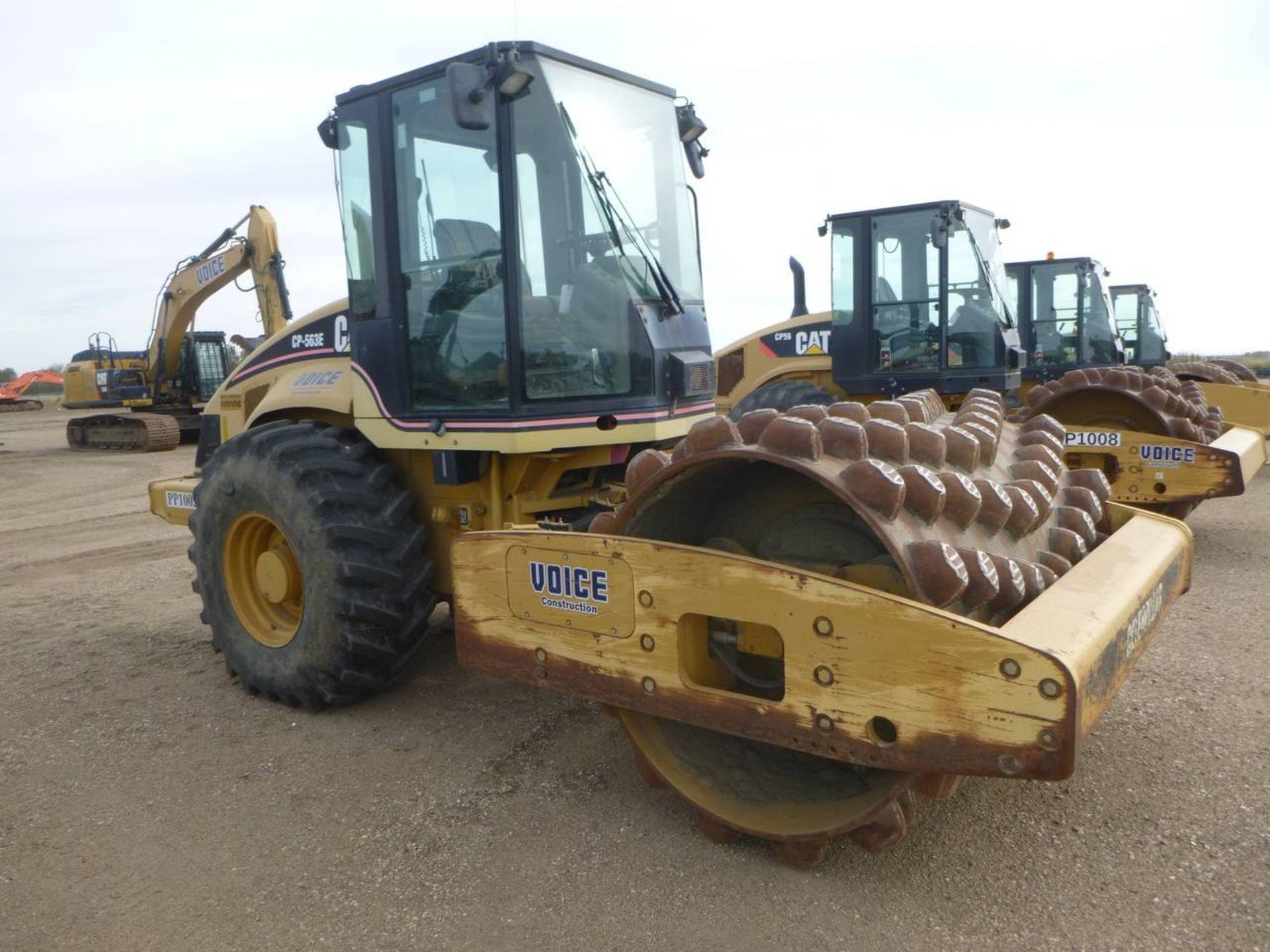 2006 Caterpillar CP-563E Compactor - Image 2 of 9