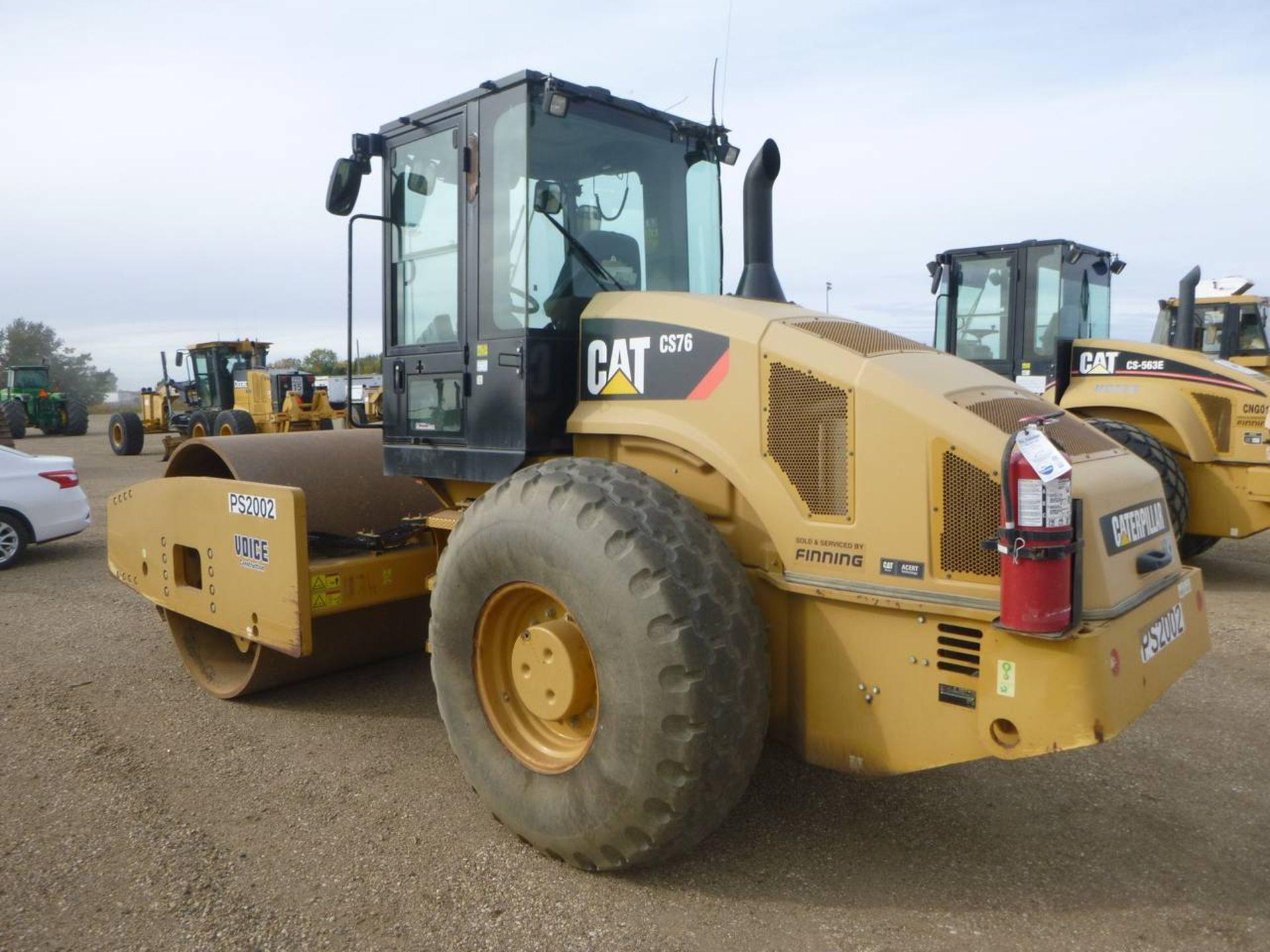 2011 Caterpillar CS76 Compactor - Image 4 of 9