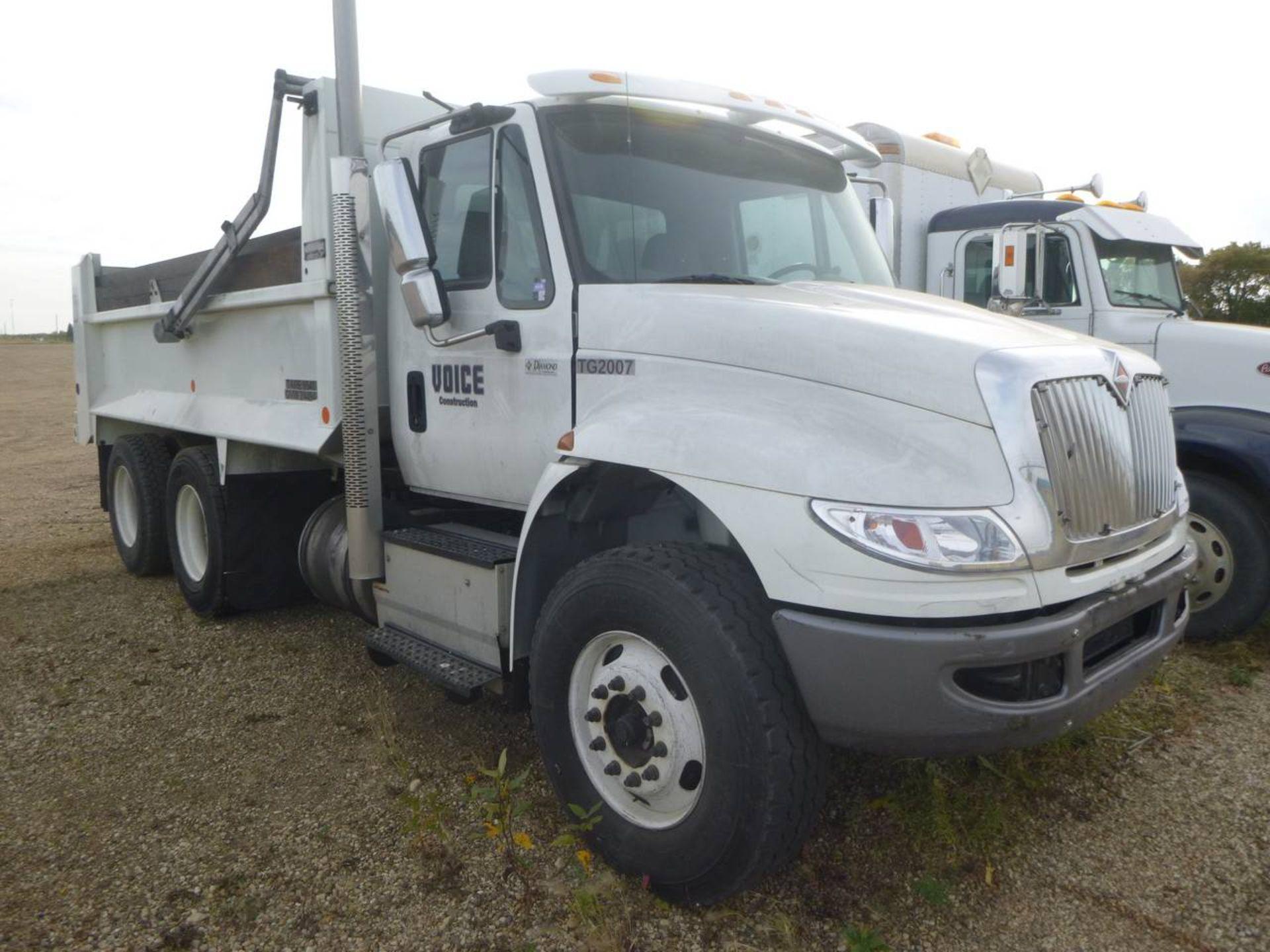 2018 International 4400 SBA 6X4 Dump Truck - Image 2 of 15