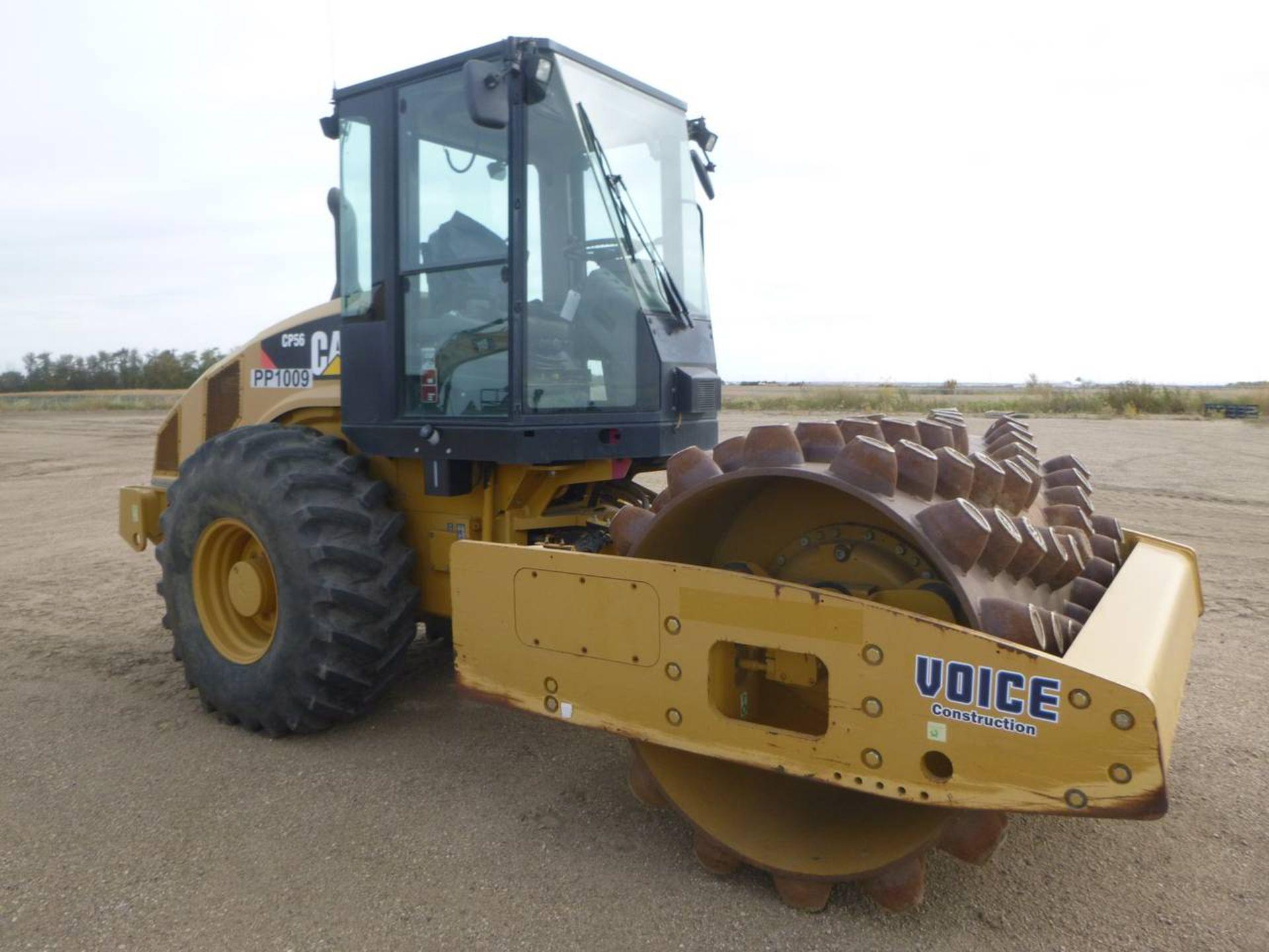 2009 Caterpillar CP56 Compactor - Image 2 of 9