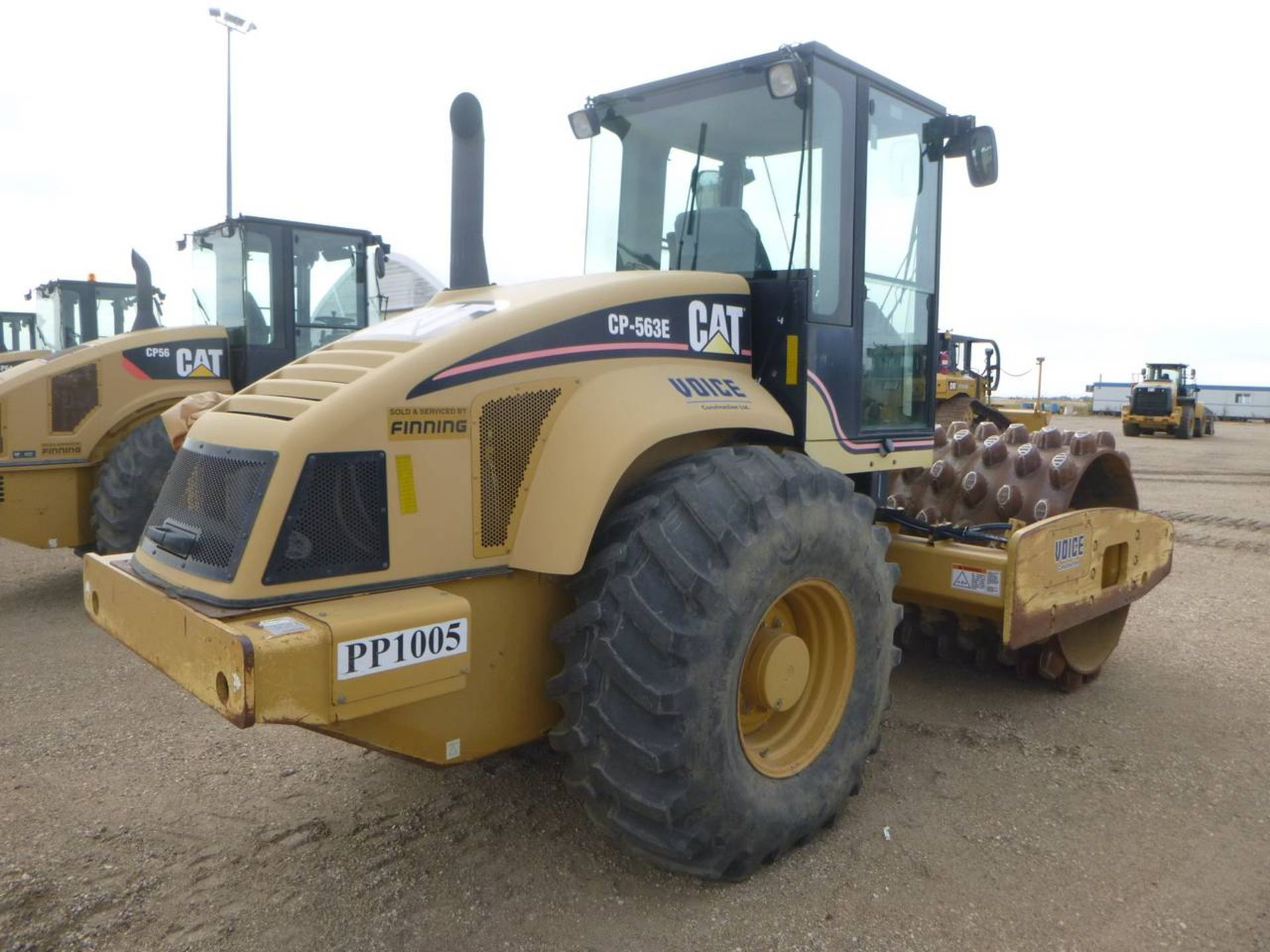 2006 Caterpillar CP-563E Compactor - Image 3 of 9