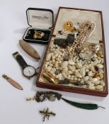 Costume jewellery, to include necklaces, brooches, cufflinks, studs etc. (qty)