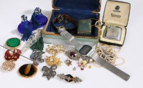 Costume jewellery, to include brooches, watch, hat pin, scent bottle etc. (qty)