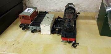 HORNBY DUBLO ENGINE & CARRIAGES
