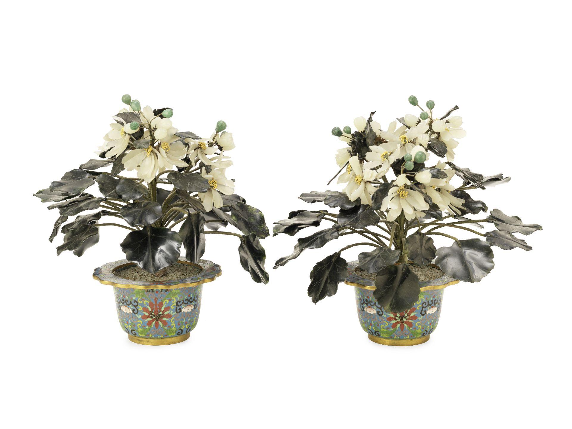 Los 223 - A pair of Chinese 'hardstone' flowering plants (2)