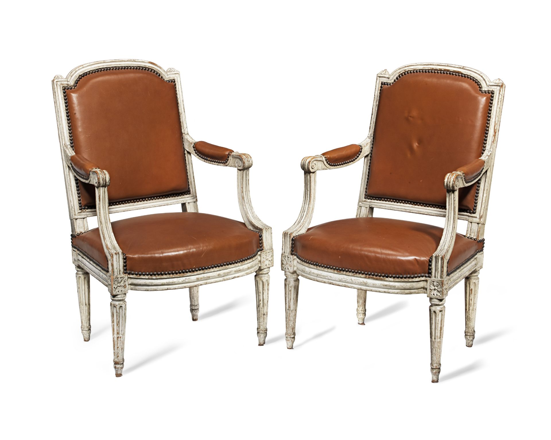 Los 111 - A pair of Louis XVI painted fauteuils (2)
